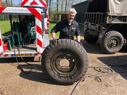 Pechservice Truckbanden Legervoertuig 04